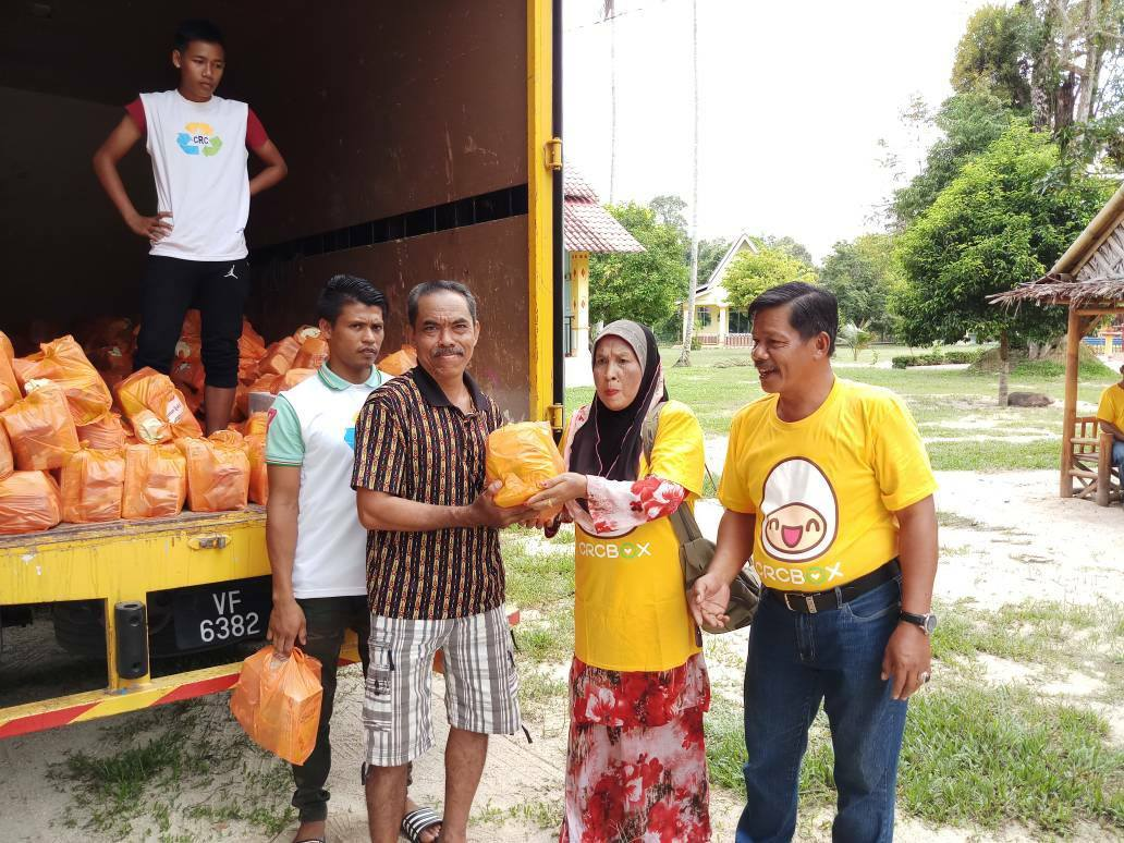 Donate Your Old Clothes To These 8 NGOs And Uplift M'sians In Need